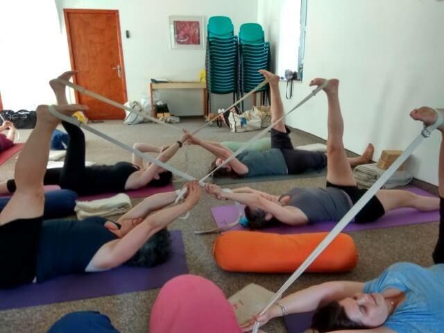 תלמידות הסטודיו איינגאר יוגה קריית אונו בסדנה בעין כרם
