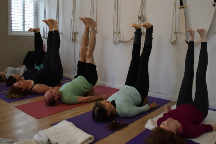 סדנת יוגה מדיטציה בסטודיו איינגאר יוגה בקרית אונו